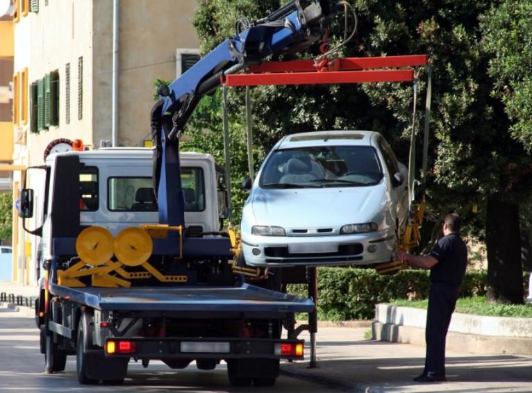 Забрать машину со штрафстоянки рекомендуется в день эвакуации, чтобы избежать дополнительных расходов