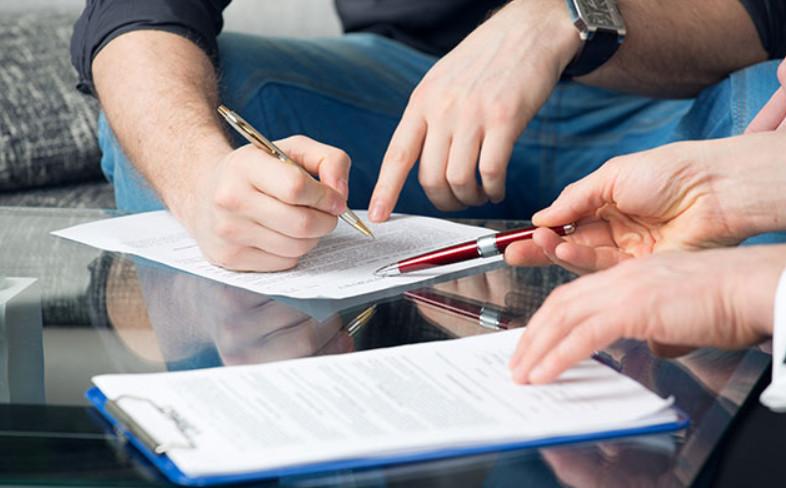 Оформление сделки у нотариуса не обязательное требование, но если вы решили обратиться к нему, придется заплатить 1-2% от стоимости автомобиля