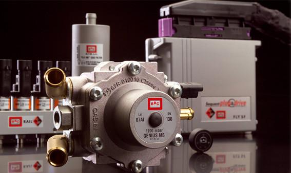 В ГИБДД необходимо предоставить сертификат на само газовое оборудование, а так же свидетельство на соответствие ТС с внесенными в конструкцию изменениями, выданное фирмой, установившей ГБО