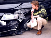Что делать, если пострадавший в ДТП без страховки ОСАГО на 2017 год, кто возместит ущерб