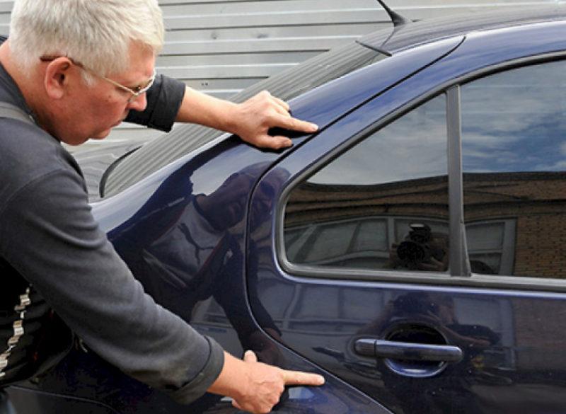 Перед тем как ставить свою подпись на бланке, осмотрите транспортное средство на предмет царапин, сколов и других повреждений